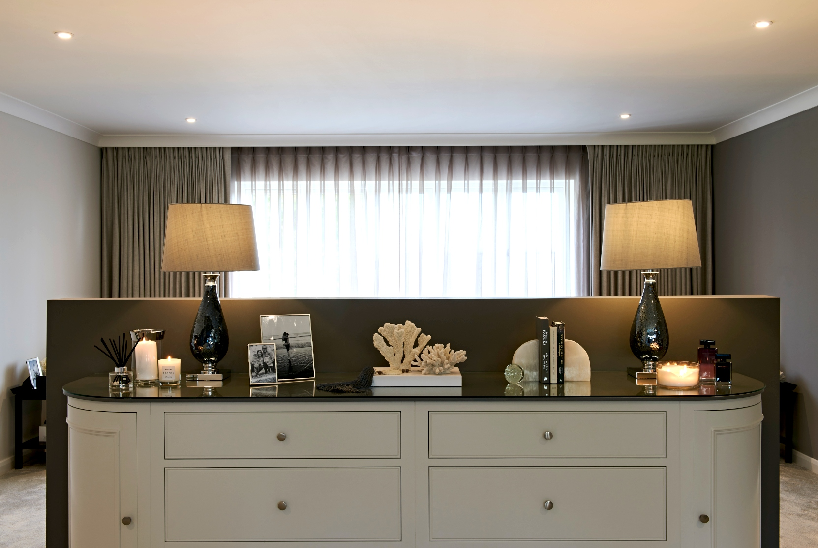 Master bedroom bespoke cabinetry & lamps - Interior Design